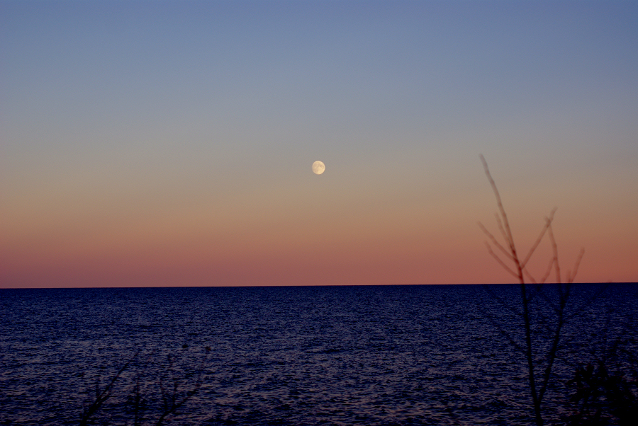 moonrise-lake-superior